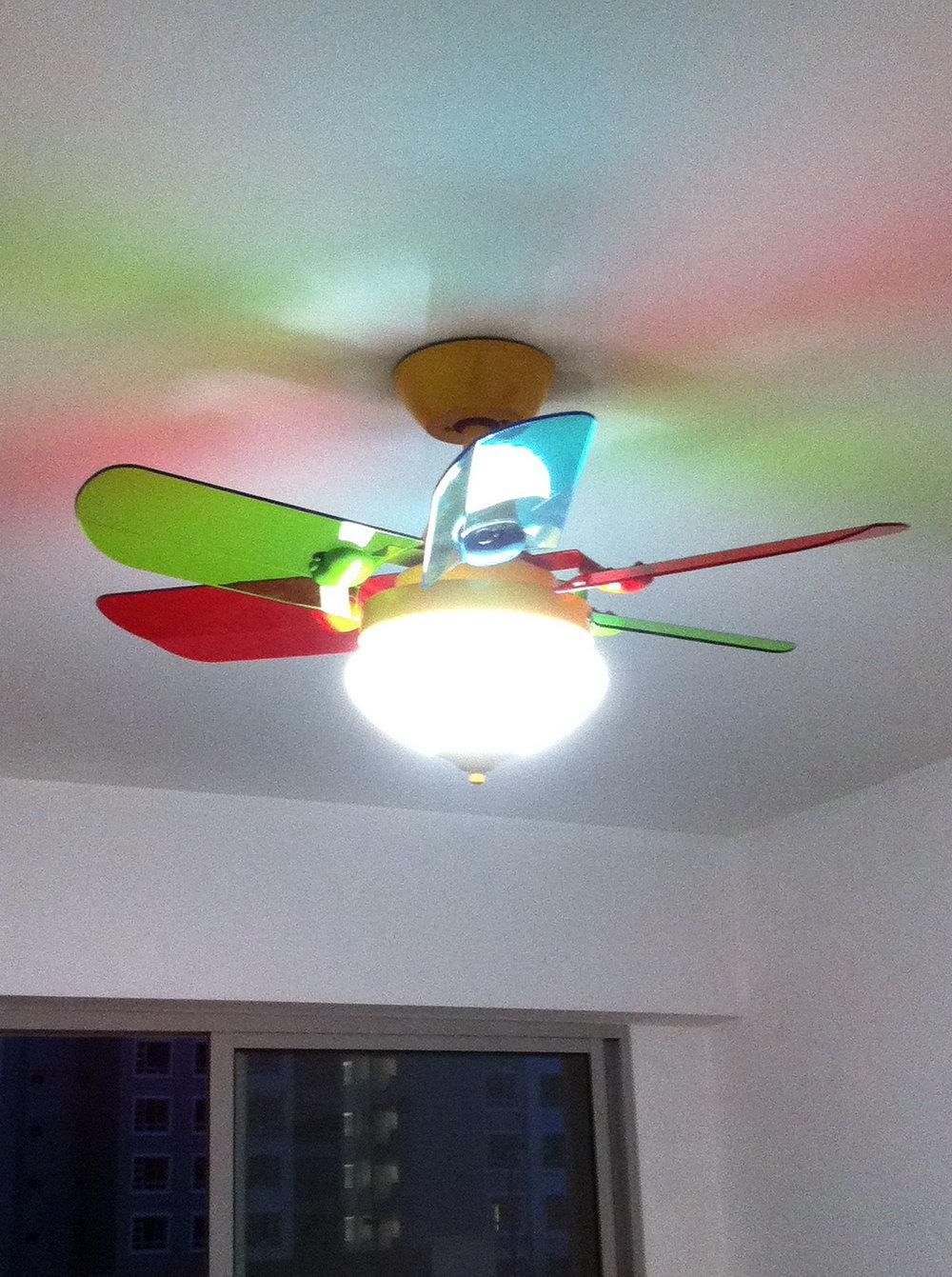 #13 Transparent Plastic Blades Ceiling Fan
