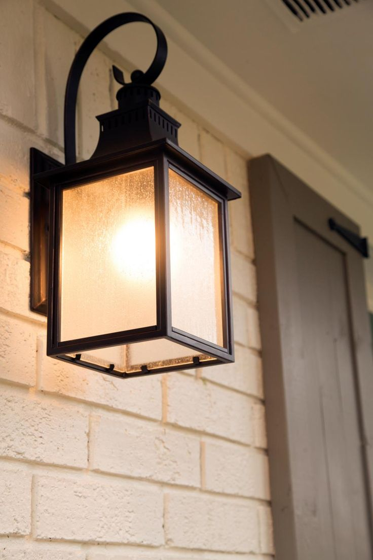 Install Cottage Style Outdoor Lighting