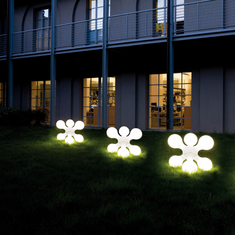 Get 25 Sorts of Possibilities with Modern outdoor lights