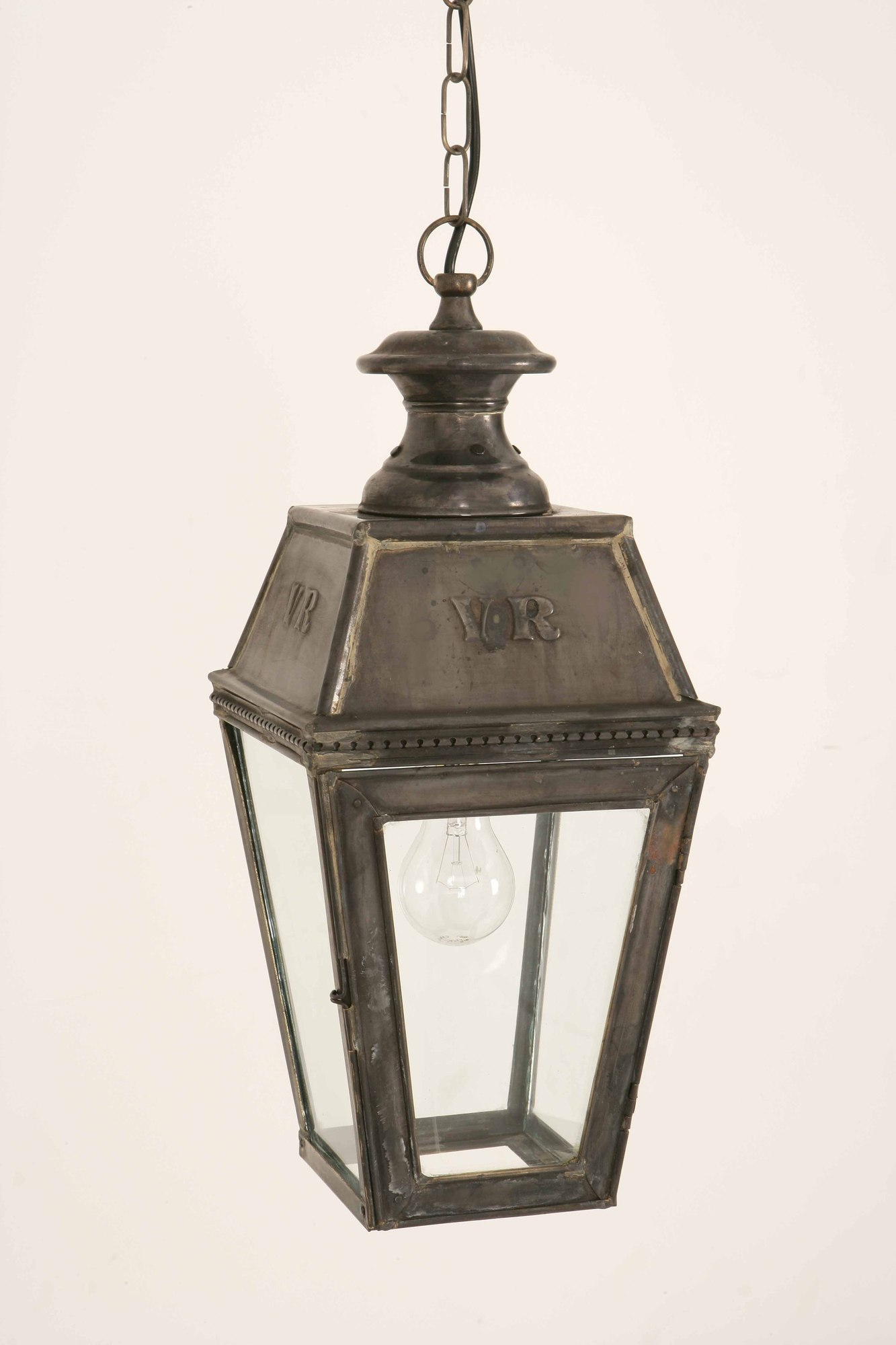 Victorian outdoor lights 10 tips for buying warisan for Outdoor porch light fixtures