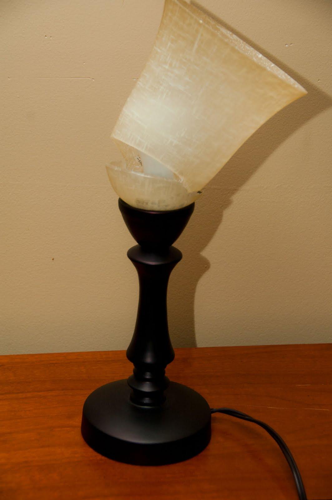 Trendsetting broken lamp | Warisan Lighting