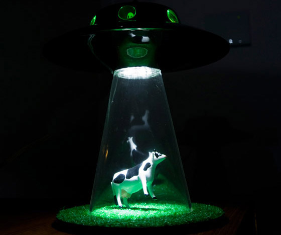alien abduction lamp photo - 9