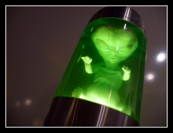 alien lava lamp photo - 1