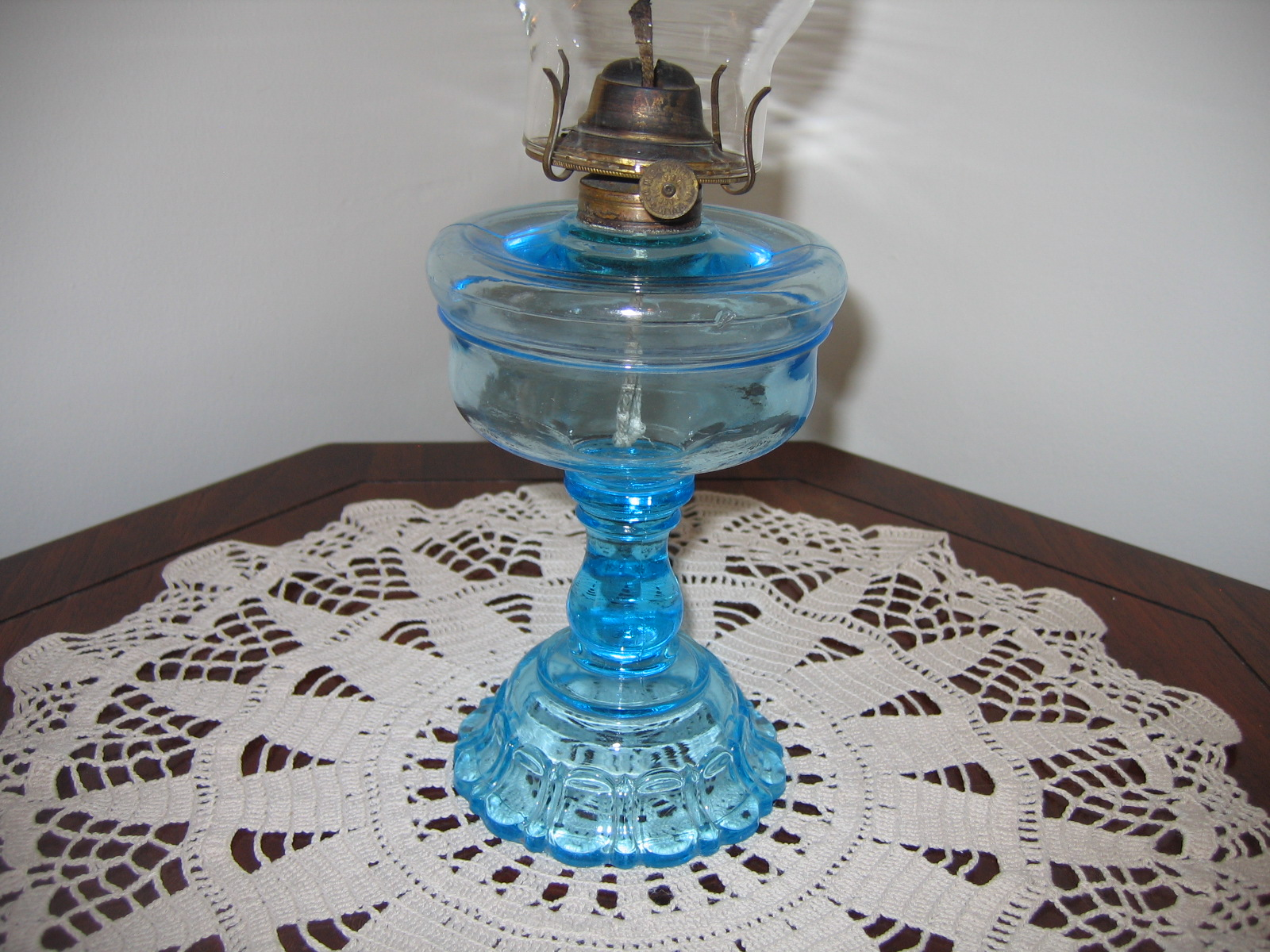 antique aladdin oil lamps photo - 5