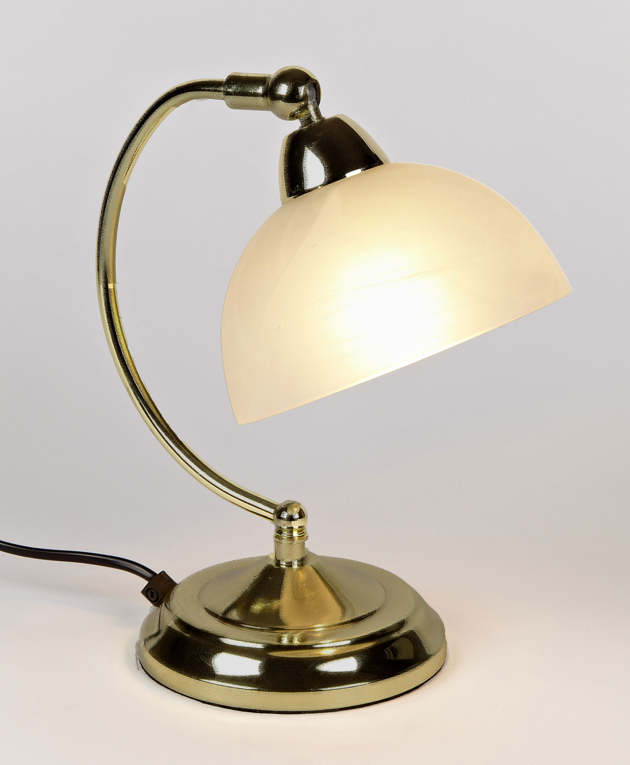 antique lamp photo - 4