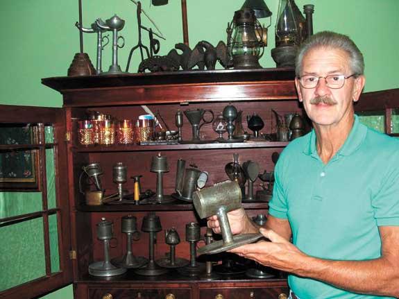 antiques lamps photo - 1