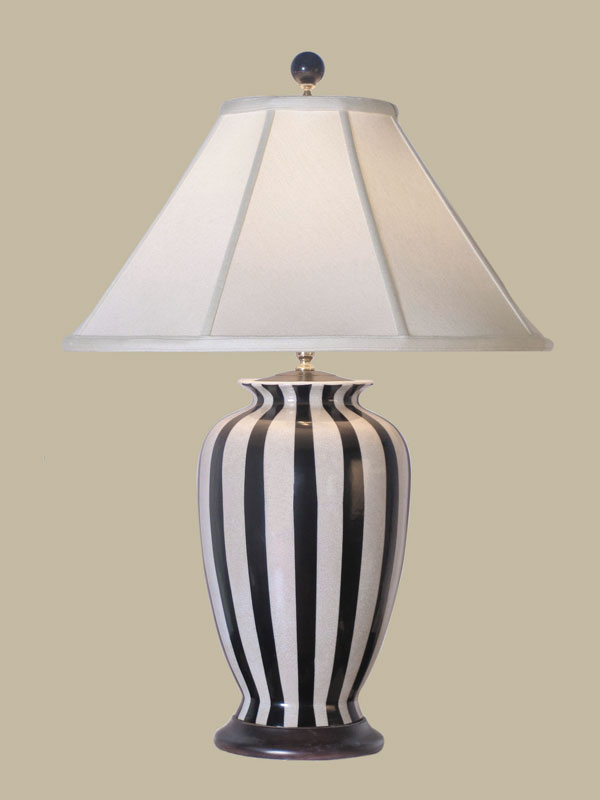 black and white lamps photo - 1