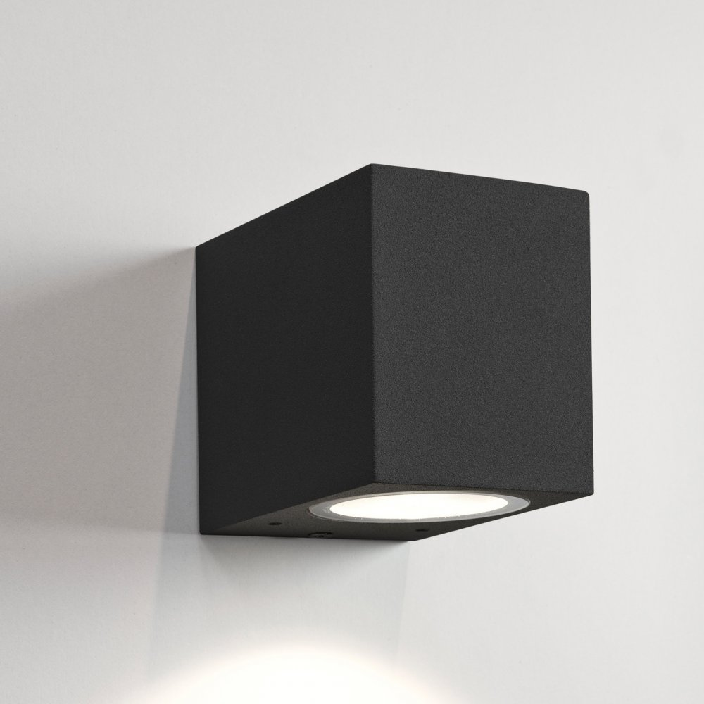 black wall lights photo - 3
