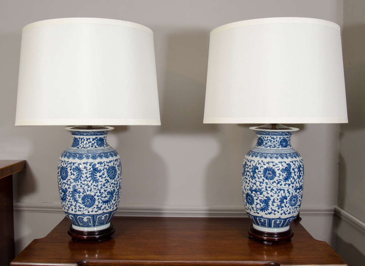 blue and white ginger jar lamps photo - 10