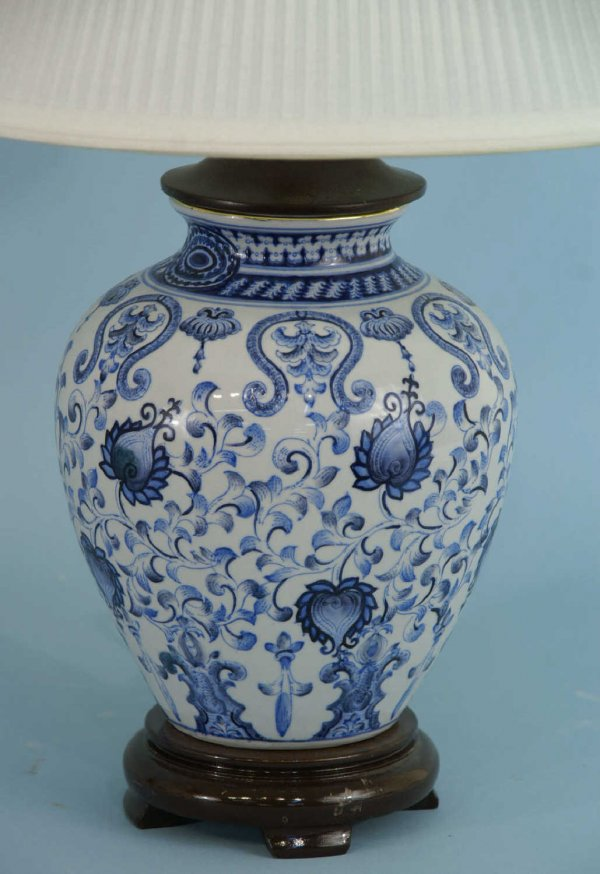 blue and white ginger jar lamps photo - 4