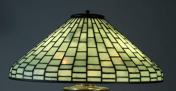 blue tiffany lamp photo - 4