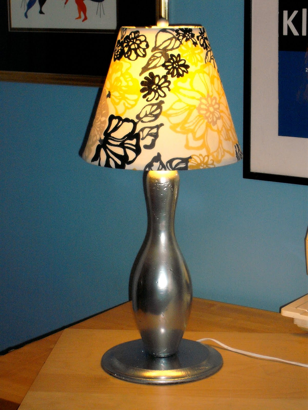 bowling pin lamp photo - 3