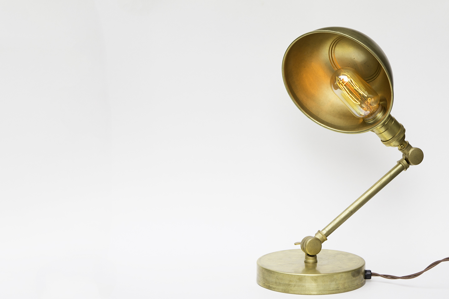 Brass Desk Lamps Only For Real Metallic Lovers