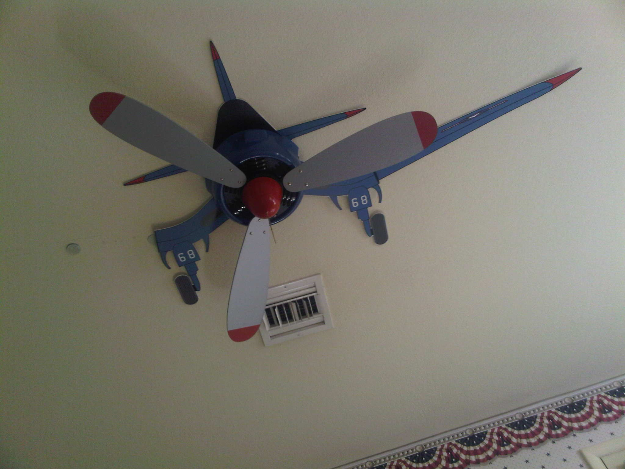 boys room ceiling fan