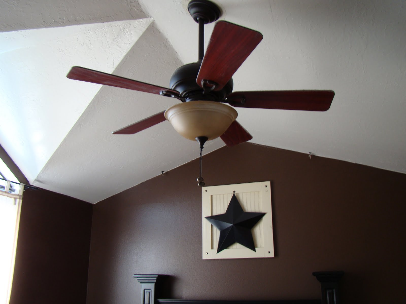 ceiling fan on vaulted ceiling photo - 4