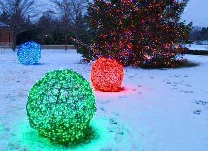 christmas ball lights outdoor photo - 9