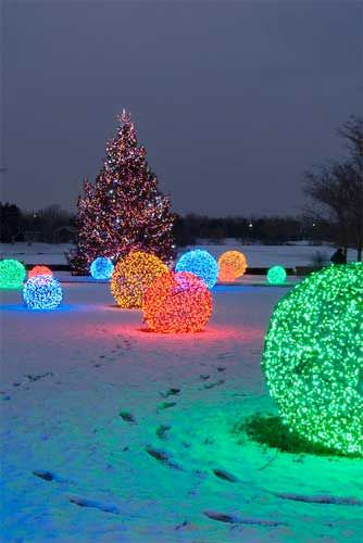 christmas light spheres outdoor photo - 10