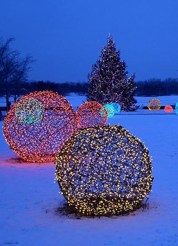 christmas light spheres outdoor photo - 8