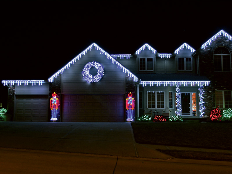 christmas lighting outdoor photo - 10
