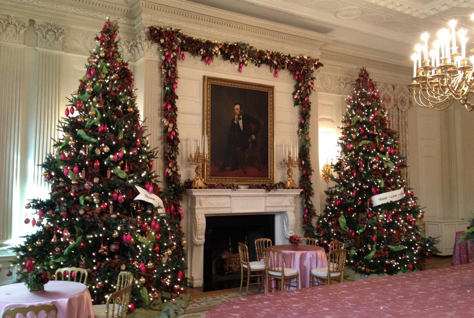 christmas lights wall design photo - 3