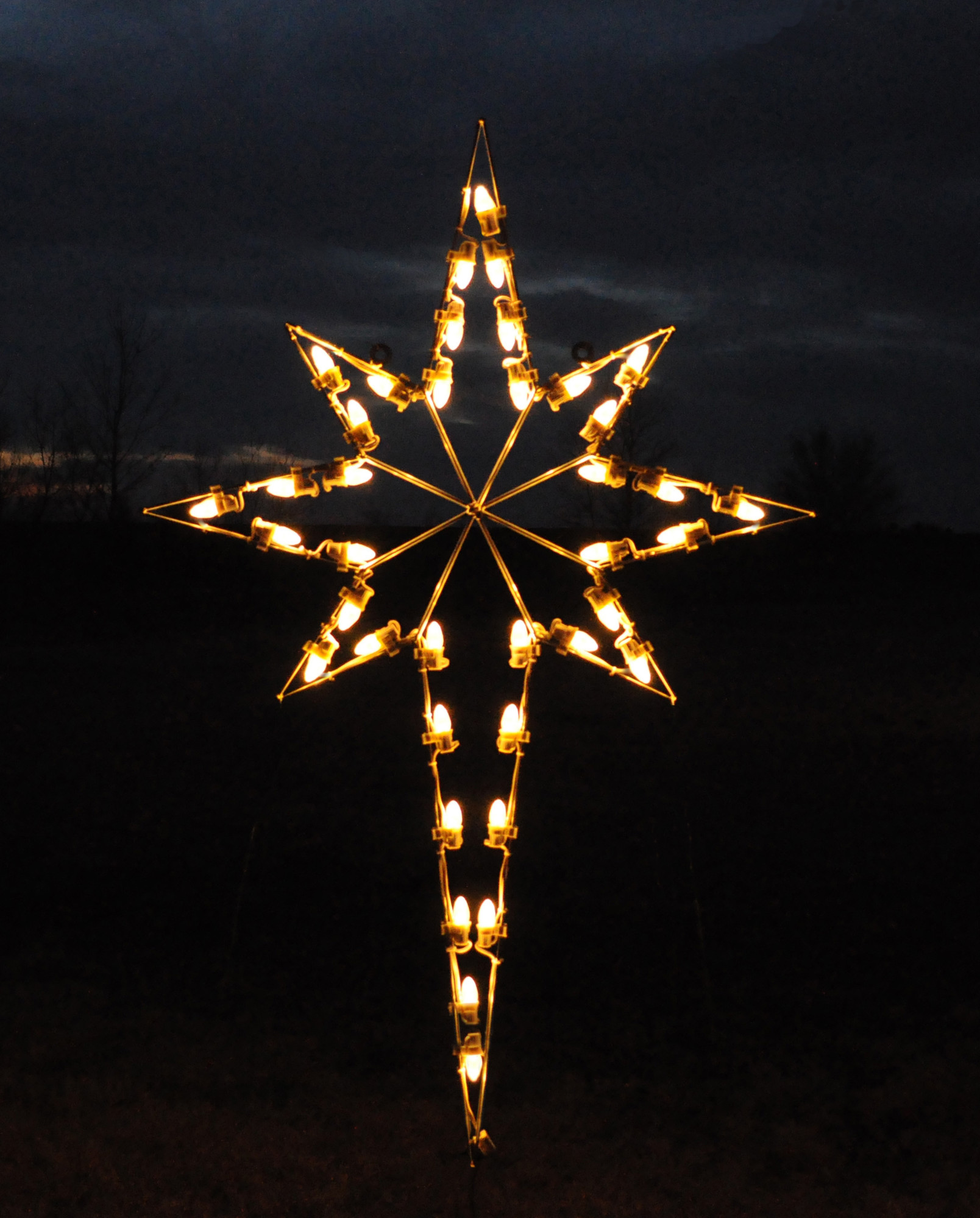 christmas outdoor star lights photo - 4