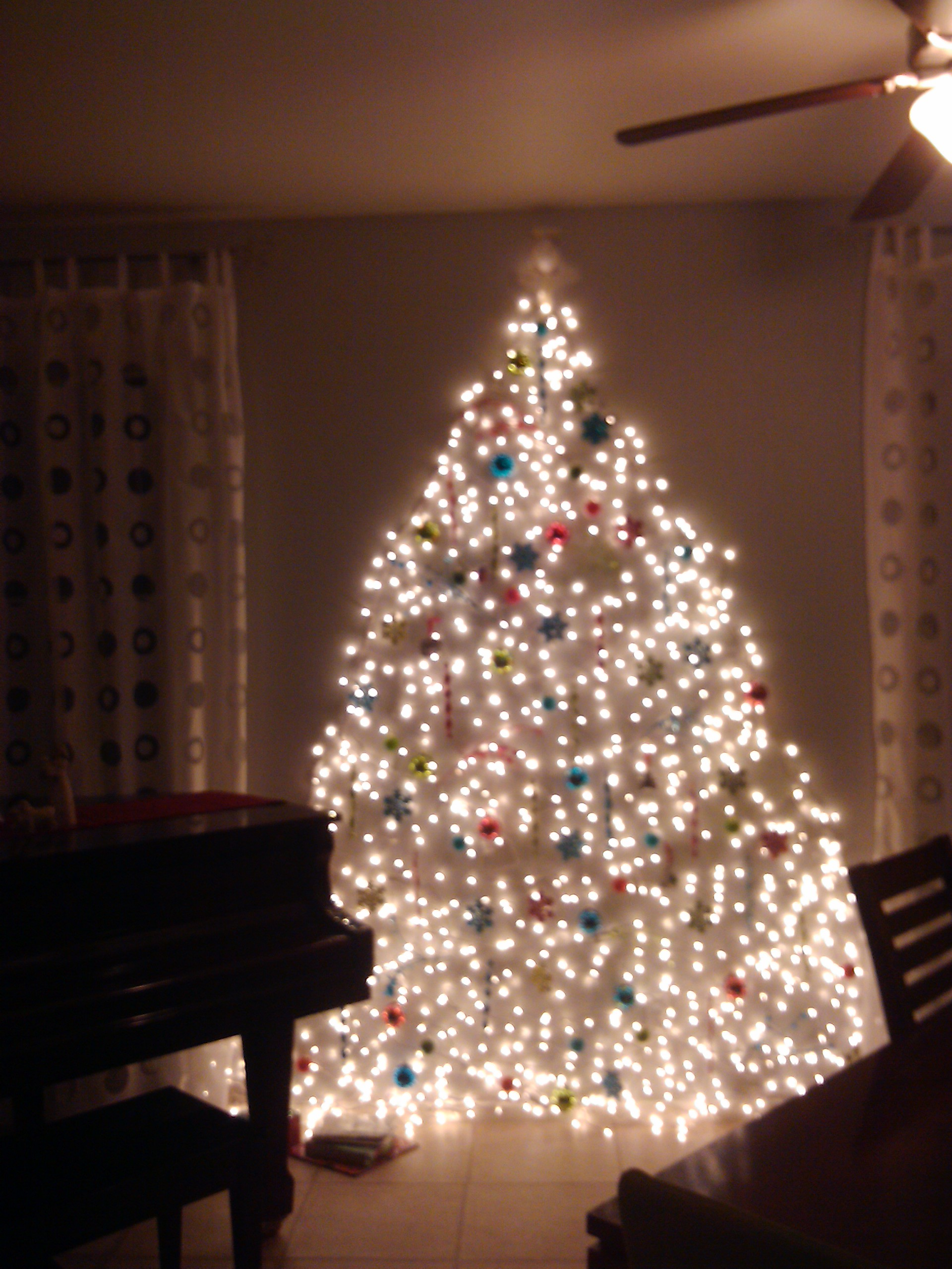 christmas tree wall lights photo - 4