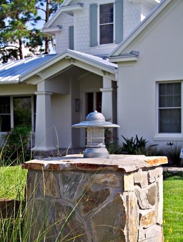 column mount outdoor lights photo - 2