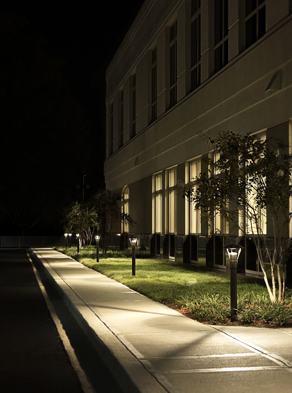 commercial outdoor lights photo - 6