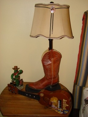 cowboy boot lamp photo - 4