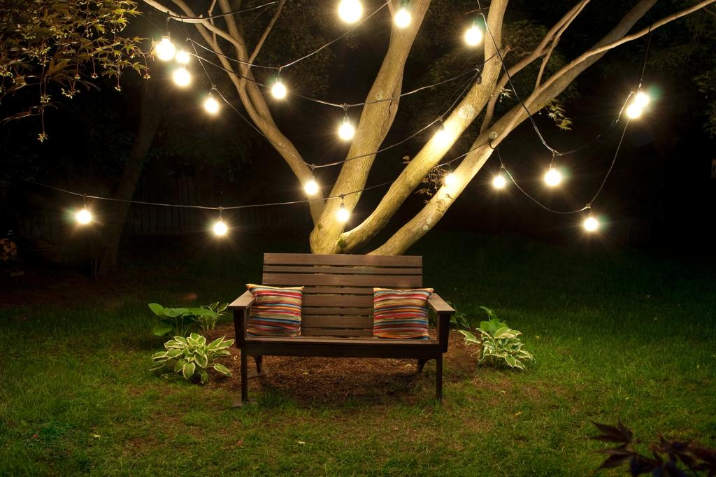 decorative outdoor string lights photo - 9