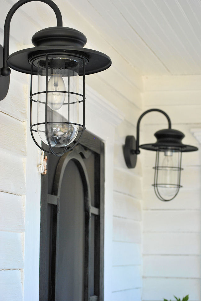 farmhouse outdoor light photo - 5