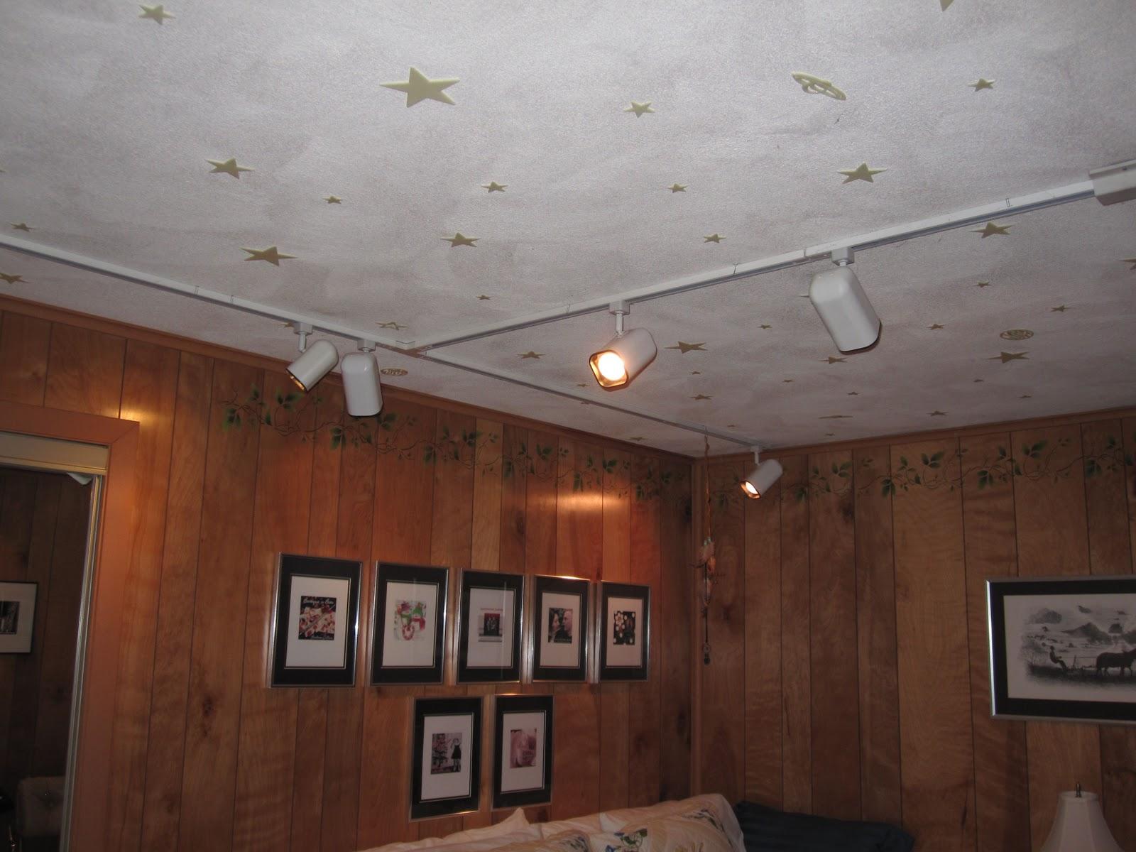 fluorescent ceiling lights photo - 1