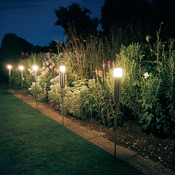 garden outdoor lights photo - 4