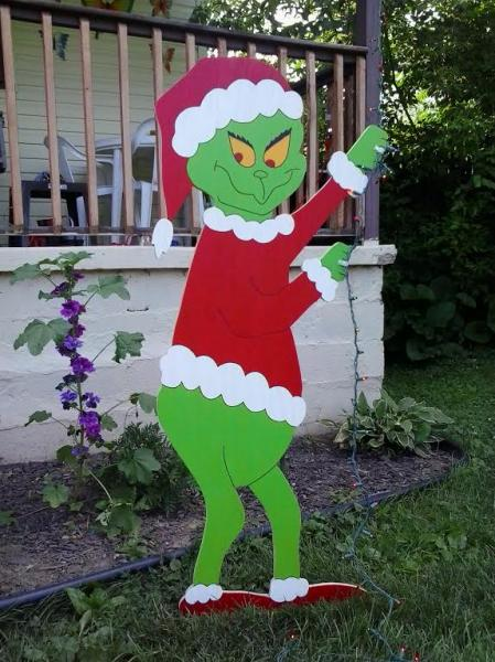 grinch christmas lights outdoor photo - 10