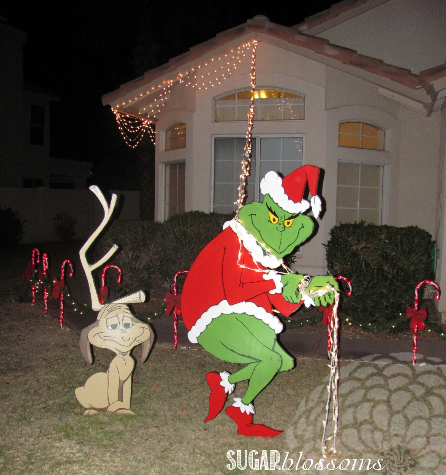 grinch christmas lights outdoor photo - 8