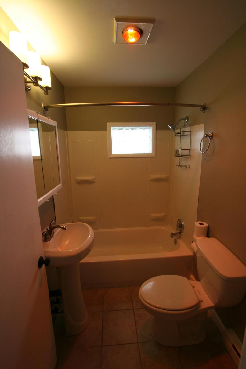 heat lamp bathroom photo - 4