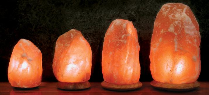 himalayan salt lamp photo - 1
