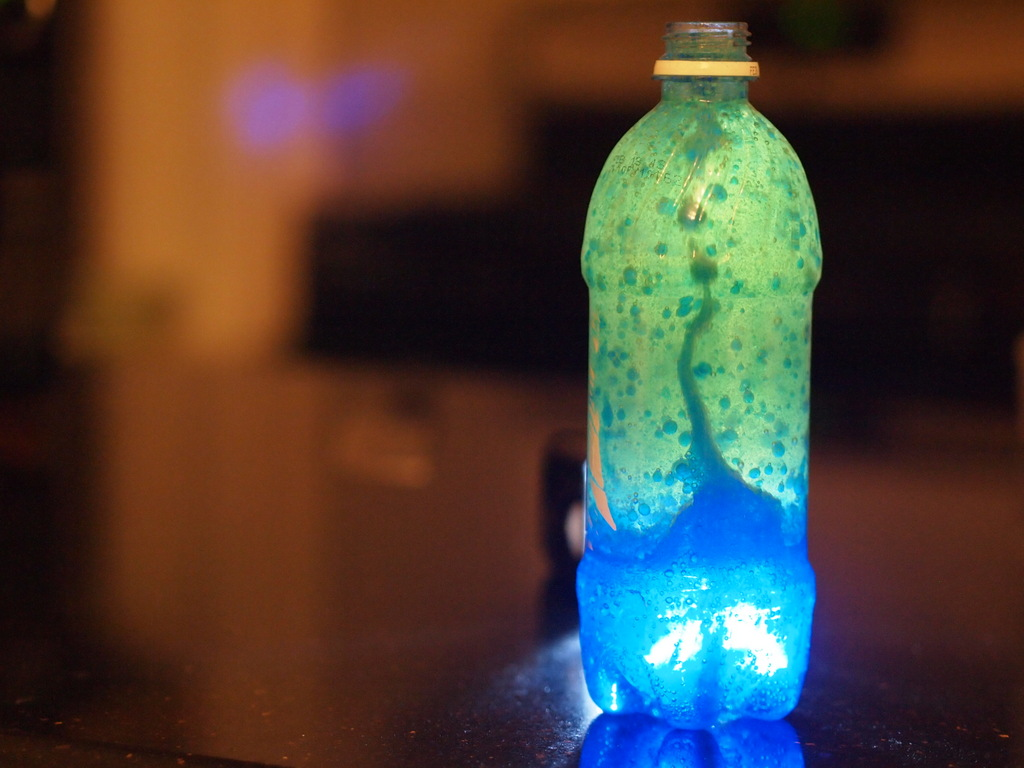 how to make a lava lamp with a water bottle photo - 1