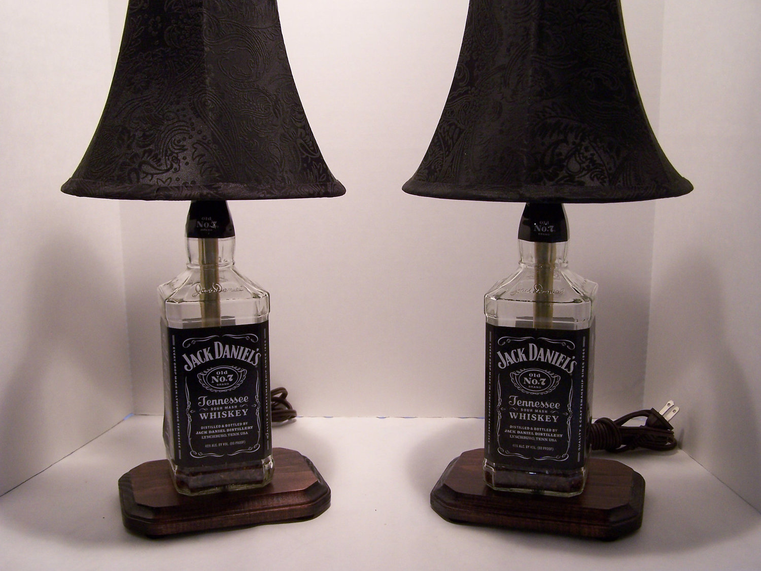 jack daniels bottle lamp photo - 3