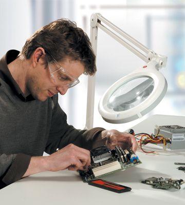 led magnifying lamp photo - 2
