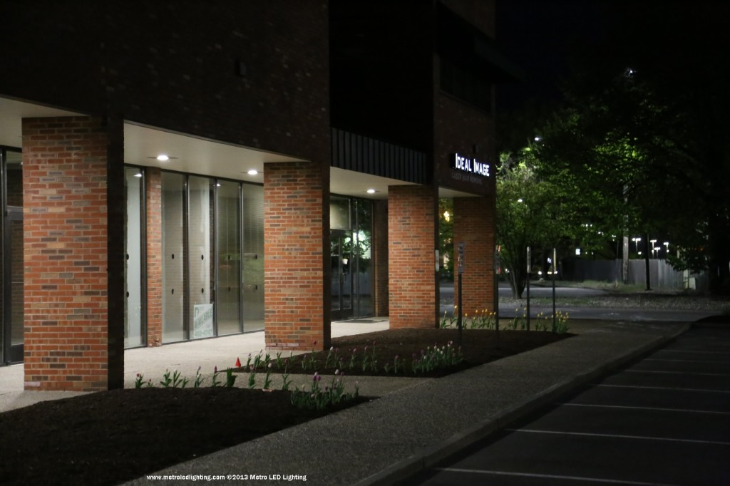 led outdoor soffit lighting photo - 9