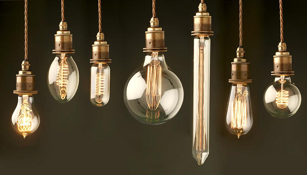light bulb ceiling light photo - 1