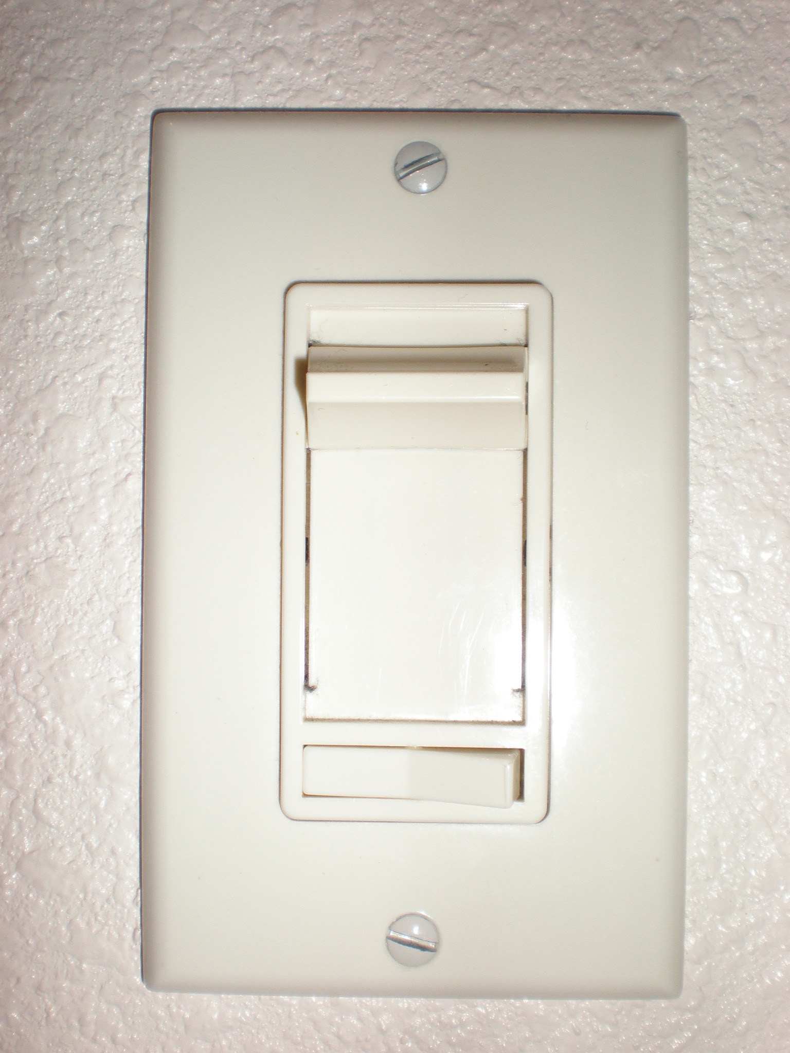 light wall plates photo - 6