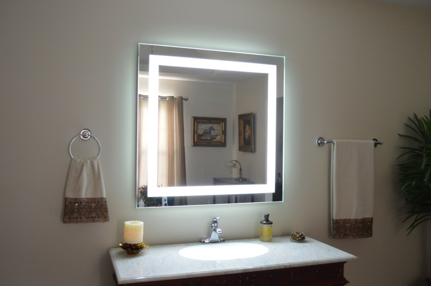 Lighted Wall Mirror: lighted vanity mirror wall photo - 3,Lighting