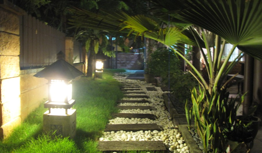 Low voltage garden outdoor lights the most important part of