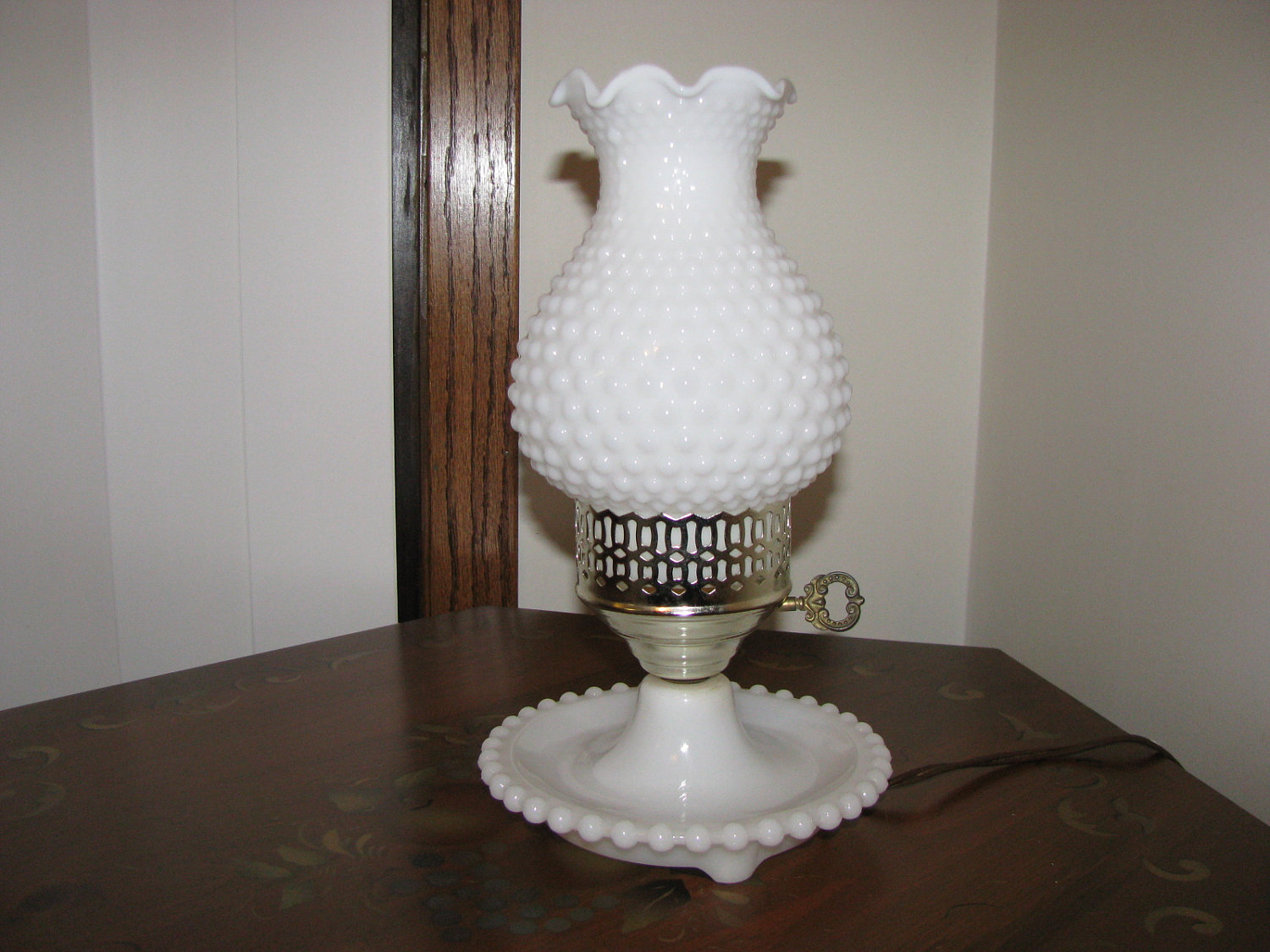 milk glass lamps photo - 2