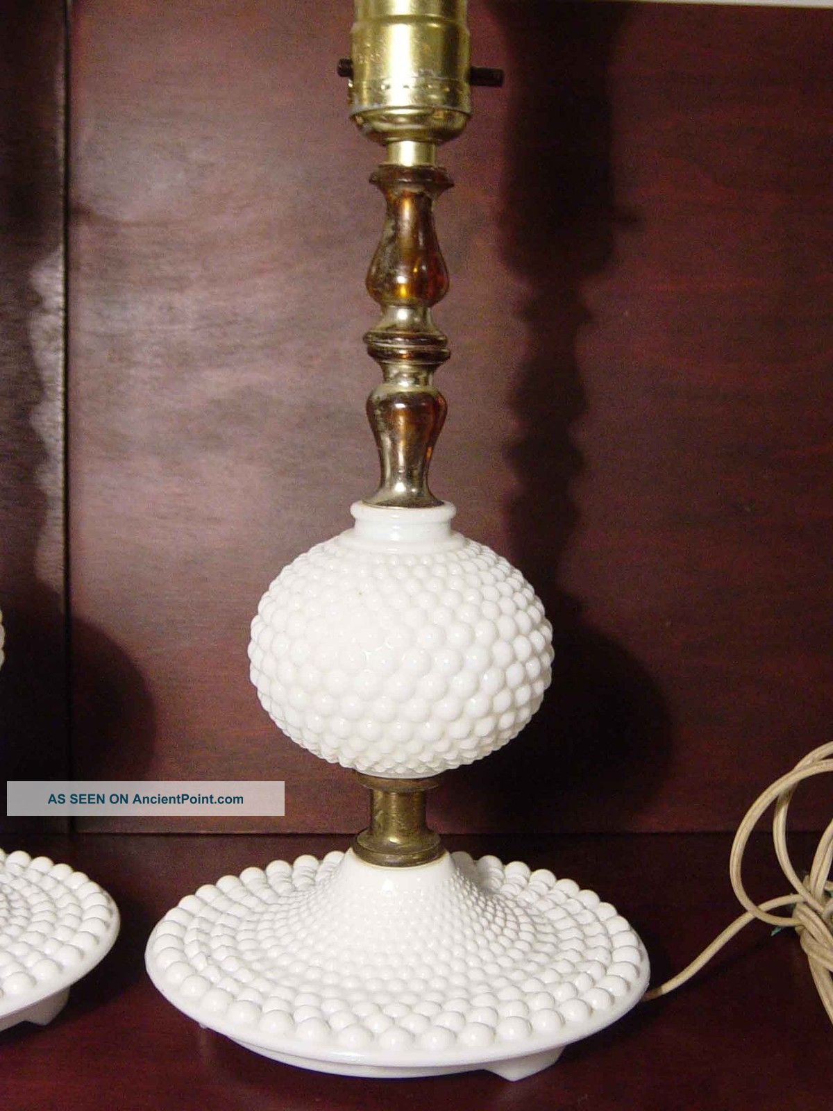 milk glass table lamps photo - 6