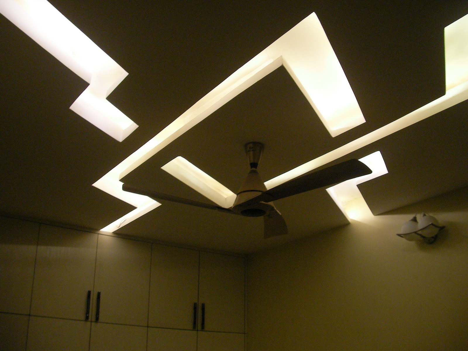 modern ceiling lights living room photo - 6