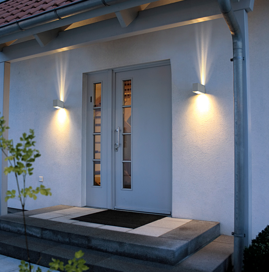Modern outdoor wall lights 10 ways to redesign your home for Redesign your home exterior