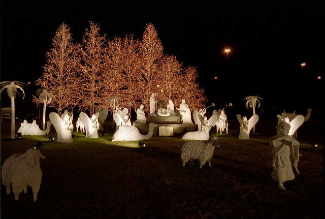 nativity outdoor lights photo - 1